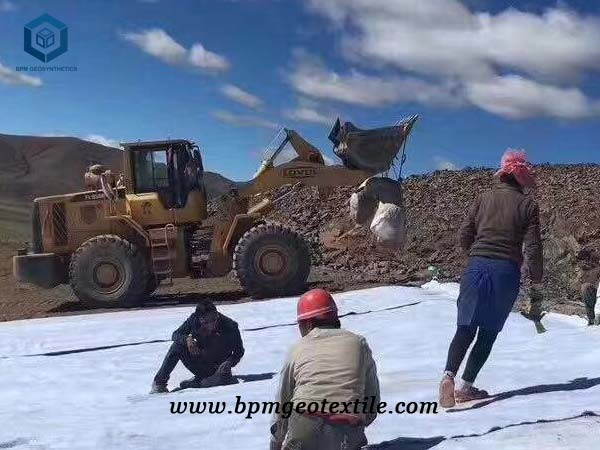 Short Fiber Non woven Geotextile Liner for Sale in Russia